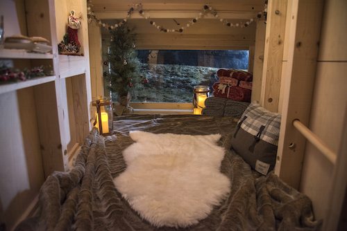 Landrover's Christmas Cabin